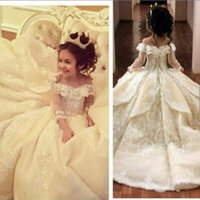 Wholesale Organza Christening Gowns - 2017 Vintage Lace Flower Girl Dresses Elegant Off Shoulder Wide V Neck Ball Gown Little Girl Pageant Dresses Gowns