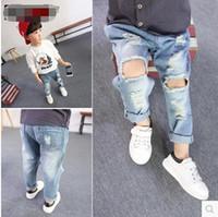 baby boy blue jeans al por mayor-Moda Niños Niños Pantalones De Mezclilla Bebé Boy Wash Blue Hallow Out Jeans Bebés Estilo Coreano Ropa al por mayor Chico