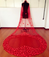 3m weicher schleier großhandel-Lange rote Brautschleier weichen Tüll mit gefälschten Blumen lange 3m Fee Hochzeit Schleier billig lange Hochzeit Zubehör