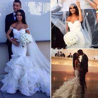 pérolas de vestido de casamento em camadas venda por atacado-2017 glamourosa moda sereia vestidos de casamento fora do ombro camadas saias vestidos de noiva lace ruffles pérolas vestido de noiva sexy