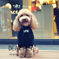 ingrosso vestiti di maglione nero-Abbigliamento per cani e gatti Felpe con cappuccio per cani Fashion Brand Teddy Puppy Apparel Winter Outfit Black Sweater Clothing