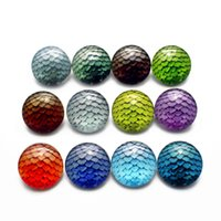20pcs / lot Fish Scale Random Pattern Snap Buttons 18mm Glass Round Snap Charms Fit Snap Bracelet Necklace Jewelry