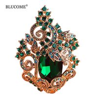Blucome Retro Green Grandes Broches de cristal Peacoke Vintage Jewelry Broche de casamento Bouquet Corsages Antique Gold Flower Hijab Pin