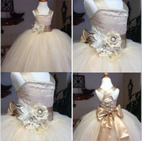 Wholesale Cotton Christening Gowns For Girls - 2016 New Lace Flower Girl Dress with Flower Ball Gown Party Dress Pageant Dress for Little Girls Kids Children Dress for Wedding