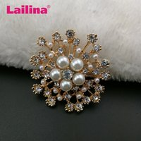 Vendita calda all'ingrosso Elegent Light Gold Plated Pearl, Crystal Flower Brooch for Women Sparkle Rhinestone Brooches Pins