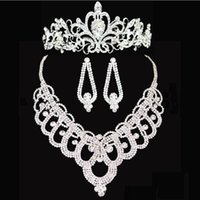 Wholesale Locking Heart Necklace - Bridal tiaras crown High Quality Shining Beaded Crystals Wedding Crown Bridal necklace set Crown Headband Hair Accessories Party Tiara HT143