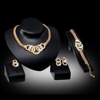 ingrosso gli orecchini della collana dell'oro fissano l'anello-Bracciali Collane Orecchini Anelli Set Moda donna Strass 18 K Cerchi in lega placcati oro Gioielli per feste 4 pezzi Set all'ingrosso JS010
