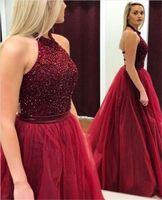 açık üst elbise toptan satış-Mütevazı A-line Tül Halter Boyun Çizgisi Kolsuz Boncuk Balo Elbise Kristaller En Bordo Uzun Abiye Aç Geri Örgün Elbise