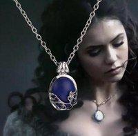 mavi kolye doğal taş toptan satış-The Vampire Diaries Takı Katherine kolye Kolye Günışığı Kolye Film Anti Güneş Işığı Kolye Mavi Doğal Taş DHL