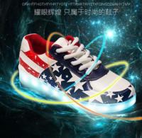 bandera usb al por mayor-2016 NUEVOS 7 colores LED Luminous Shoes star bandera de EE. UU. Hombres Mujeres Zapatillas Zapatos de carga USB LED Light Up Shoe Parejas que brillan intensamente Shoe