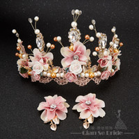 Wholesale bridal golden crown - Luxurious Crown Women Crystal Floral Tiara Pearl Jewelry Golden Bridal Crown Hair Wear Wedding Photography Accessories Aide