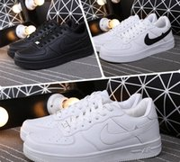 Hot sell 2017 versão atualizada New All White Shoes Men and Women Fashionable Casual Shoes