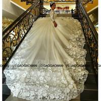 vestidos de casamento feitos à mão rendas venda por atacado-Novo muçulmano vestido de baile vestidos de casamento 2019 luxo Lace frisado Applique handmade 3D floral manga comprida catedral vestidos de casamento árabe