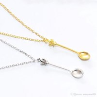 Wholesale vintage crown jewelry - New Fashion Women Vintage Mini Crown Spoon Shape Pendant Necklace Charm Chain Jewelry Gifts Free Shipping