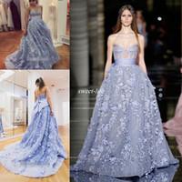 askısız zuhair murad balo gece elbisesi toptan satış-2020 Zuhair Murad Mavi 3D Çiçek Prenses Bir Çizgi Balo Parti Pageant elbise Straplez Arapça Akşam elbise