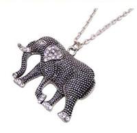 suéteres de elefantes al por mayor-Collar de elefantes Collar colgante de elefantes Elefante tallado retro Charm Jewelry Declaración Diamond Elephant Sweater Chain Christmas Gift