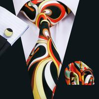 kravat seti hırka kol düğmesi toptan satış-Erkek Kravat Kol Düğmeleri ile Hanky Yeni Varış Beyaz Siyah Karışık Renk Ipek Kravat Şık Geniş Klasik Kravat N-1265