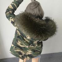 ingrosso parco verde degli eserciti-2017 Nuove donne Inverno camuffamento Army Green Jacket Cappotti Parka di spessore Plus Size Reale collo di pelliccia di procione con cappuccio Outwear