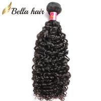 peruanischen menschlichen schuss großhandel-Bella Hair® 8A lockiges Haar spinnt brasilianisches Jungfrau-Haar-natürliche Farbe Kambodschanisches malaysisches indisches peruanisches Menschenhaar-Einschlagfaden 3pcs Freies Verschiffen