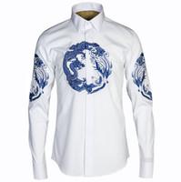 chinesisches kragenkleid schwarz großhandel-Männer Kleid Shirt chinesischen Stil Stickerei Longfeng Umlegekragen Casual Shirt 3XL Größe weiß schwarz Langarm Veste Homme