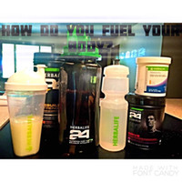 3pcs Shake Water Bottle 2000ML Preto Verde Com Straw Inside Tritan Material Plástico Outdoor Travel Cup New Herbalife Nutrition
