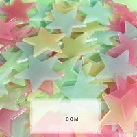 estrela de incandescência do natal venda por atacado-Adesivos de Parede de plástico Fluorescente Star Shape 3D Paster Brilhando No Escuro Casa Sala Deco Para O Feriado de Natal 2 3jq R