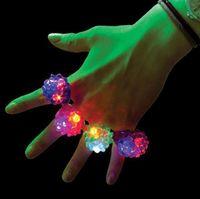 luzes de morango venda por atacado-50 pcs LED Piscando Barra De Dedo Anel De Dedo Bar DJ Rave Brinquedos Luz Borracha Elástica Piscando Anel de Festa de Natal Presente de Natal