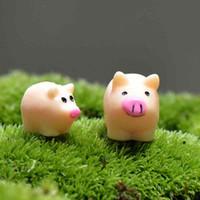 ingrosso paesaggistico di piccoli giardini-Cartoon Maiale Madre e Figlio Piccolo Desktop Giocattoli assemblati Artigianato Moss Terrarium Micro Paesaggio Ornamenti Fairy Garden DIY Zakka