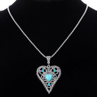 Wholesale Tibetan Turquoise Pendant - Vintage Women Love Heart Natural Turquoise Crystal Pendants Design Tibetan Silver Chain Jewelry Lady Pendant Necklaces Accessories Jewellry