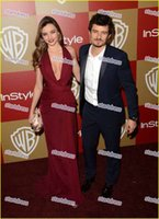 Wholesale Miranda Kerr Deep V Dress - Miranda Kerr Burgundy Stunning Celebrity Red Carpet Dresses Sexy Thigh-high Split Evening Party Gowns Sweety V-Neck Prom Dresses