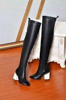 sapatos de joelho branco alto venda por atacado-Alta qualidade ~ u684 40/41 genuína corrente de couro calcanhar grosso sobre os joelhos coxa alta botas stretch preto c branco designer de luxo pista sapatos