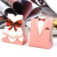 smokings de mariage en chocolat achat en gros de-Rose Tuxedo Dress Groom Bridal Candy Boîtes Cadeau Chocolat Boîte D'emballage De Mariage Fiançailles Party Décorations Faveurs