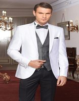 Großhandels-Modische One Button Weiß Bräutigam Smoking Groomsmen Mens Hochzeit Anzüge Formal Dress (Jacket + Pants + Vest + Tie) NO: 064
