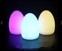 barra de luz recargable al por mayor-Barra de carga led lámpara de mesa creativa lámpara de mesa KTV Bar con forma de huevo recargable remota luz de la noche luz suministros de colores