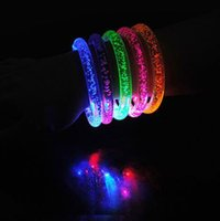 blinkende farbwechselarmbänder großhandel-LED Flash Blink Glow Bangle Farbwechsel Licht Acryl Kinder Spielzeug Leucht Hand Ring Party Fluoreszenz Club Bühne Armband CCA7759 100 stücke