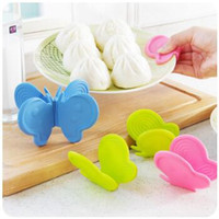 Wholesale Take Bowl - New Creative Kitchen Butterfly Silicone Insulation Against Hot Oven Take Disk Folder Thick Protect Hands Bowl Clip CCA7933 100pcs