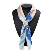 Wholesale Coupling Clips - Wholesale- New Trendy Couples Clovers Natural Rhinestone Brooch Pins Women Fashion Three Buckles Scarf Clips Jewelry