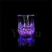 24 unids Ananas creativo LED Glass Party vasos vasos Drinkware intermitente pequeño LED Cup intermitente Cola Copas Bar suministros F535
