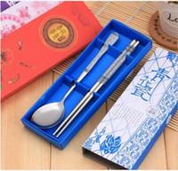 set de cuchillos tenedor de frutas al por mayor-100sets / lot, Set de dos palillos de palillos Juego de vajilla Cuchillo de cerámica de China Juego de vajilla de estilo