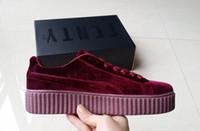 enredaderas zapatos hombres al por mayor-Marca PUM9 Velvet Rihanna X Suede Creepers Hombres Mujeres Zapatos planos ocasionales Zapatillas de deporte Rojo Negro Gris Unisex Zapatillas Zapatos para caminar