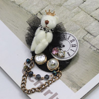 Wholesale holidays brooches - New Fashion Holiday Collar Brooches Cute White Crown Bear Design Brooches Fashion Brooch Pin Jewelry for Ladies and Girls Gifts