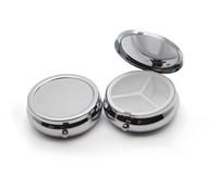 ingrosso organizzatori di scatole-10X Pill Organizer Box of Medicine Fai da te Scatole di metallo rotondo argento scatola di pillole per tasca o borsa