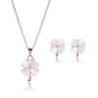 2016 Hot Sale Four-Leaf Clover Crystal Rhinestone Jewelry Set Collier et boucles d'oreilles Femmes Crystal Fashion Jewelry Set