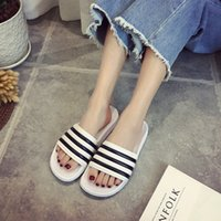 Wholesale Stripe Color Flats - Classic black and white color new summer home slip sandals and slippers couple stripes wild tide flat slippers beach sandals