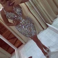 backless vestidos de fiesta de plata al por mayor-Shinning Silver Short Prom Dresses Sexy Halter lentejuelas con cuentas vestidos de noche Backless vestido de fiesta de cóctel hasta la rodilla mujeres Vestidos