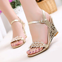 Wholesale custom wedges shoes - Summer Fashion Rhinestone Sandals Shoes Size Diamond Custom Code 33-43 Code Summer Casual Slope Heel Sandals