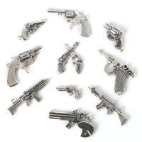 karıştırma tabancası toptan satış-Ücretsiz kargo Yeni Mix 35 adet / grup Vintage Charms Gun Kolye Antik Gümüş Fit Bilezikler Kolye DIY Metal Takı Bulguları takı yapımı