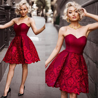 Wholesale little girls yellow prom dresses resale online - Dark Red Short Prom Dresses Sexy Sweetheart Lace Appliques Evening Gowns Girls Mini Homecoming Dress Cheap Cocktail Vestidos