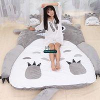 totoro bed toptan satış-Dorimytrader Sıcak Japon Anime Totoro Uyku Tulumu Büyük Peluş Yumuşak Halı Yatak Yatak Kanepe ile Pamuk Ücretsiz Kargo DY61067