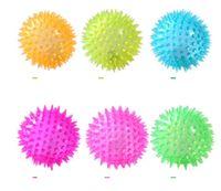 мигающие резиновые шарики оптовых-Светодиодные мигающие колючие шарики для домашних животных Dog Dog Puppy Cat LED Скрипучая резина Жевательный звук Шариковые шарики ежика Веселые игрушки для животных